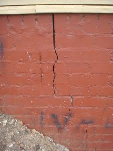 cracks in walls, Cracking to brickwork
